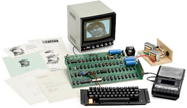 Фото - Антикварный Apple-1 ушел с молотка за рекордную сумму