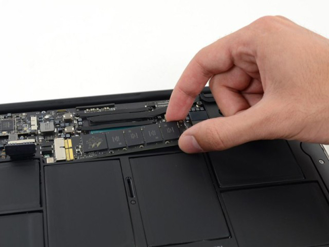 Фото - Apple отзывает флеш-накопители MacBook Air
