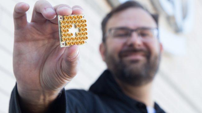Фото - Компания Intel представила рабочий 17-кубитный квантовый чип