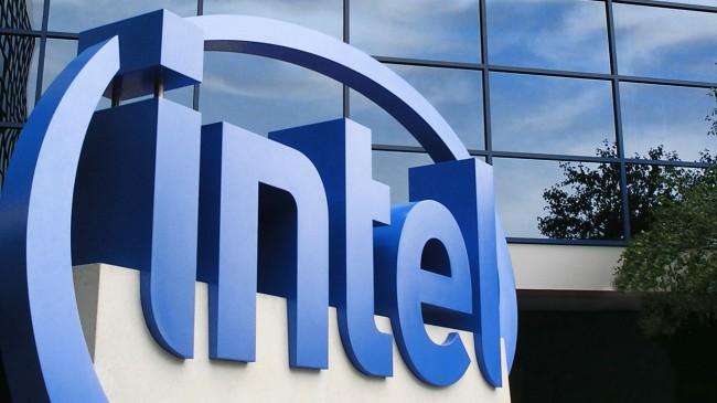 Фото - Intel показала мини-компьютер размером с флешку