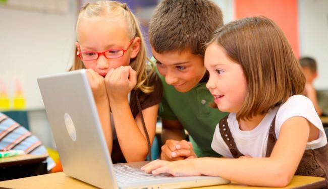 Фото - Microsoft учит детей программировать с помощью игры Minecraft